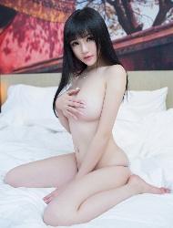 童颜巨乳嫩模米妮美胸写真