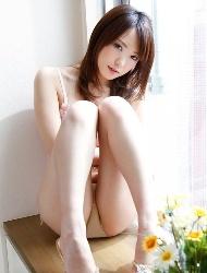 惊艳日本嫩模靓丽比基尼美图