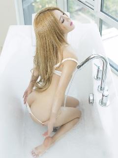 性感模特candy诱人胴体写真