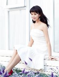 海陆裸肩白裙优雅