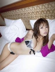 <b>日本狂野美女内衣私房野性迷人</b>