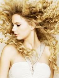 <b>女神aylor Swift(泰勒・斯威芙特)宽屏壁纸</b>