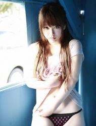 日本模特中岛爱里丰满性感写真