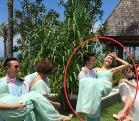 韩庚公主抱王鸥被赞配一脸 女方否认结婚称还没有老公